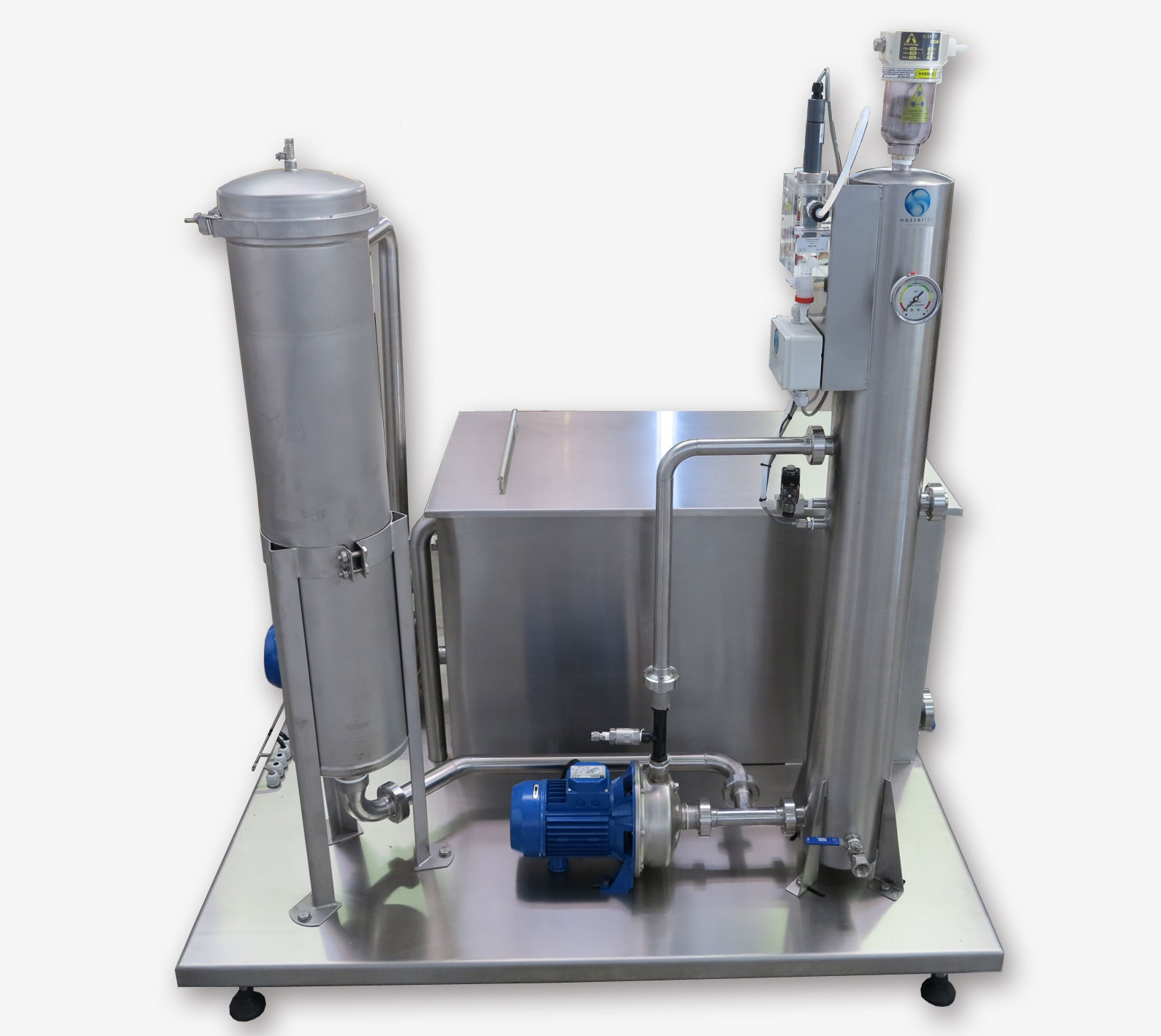 Water recycling. Wassertec. Bright Blue ozone system. Bottle disinfection, Bottle rinsing. Bright Blue 20G Ozone System Bottle rinsing systems. bottle rinsing , bottle rinsers, ozone bottle rinsing